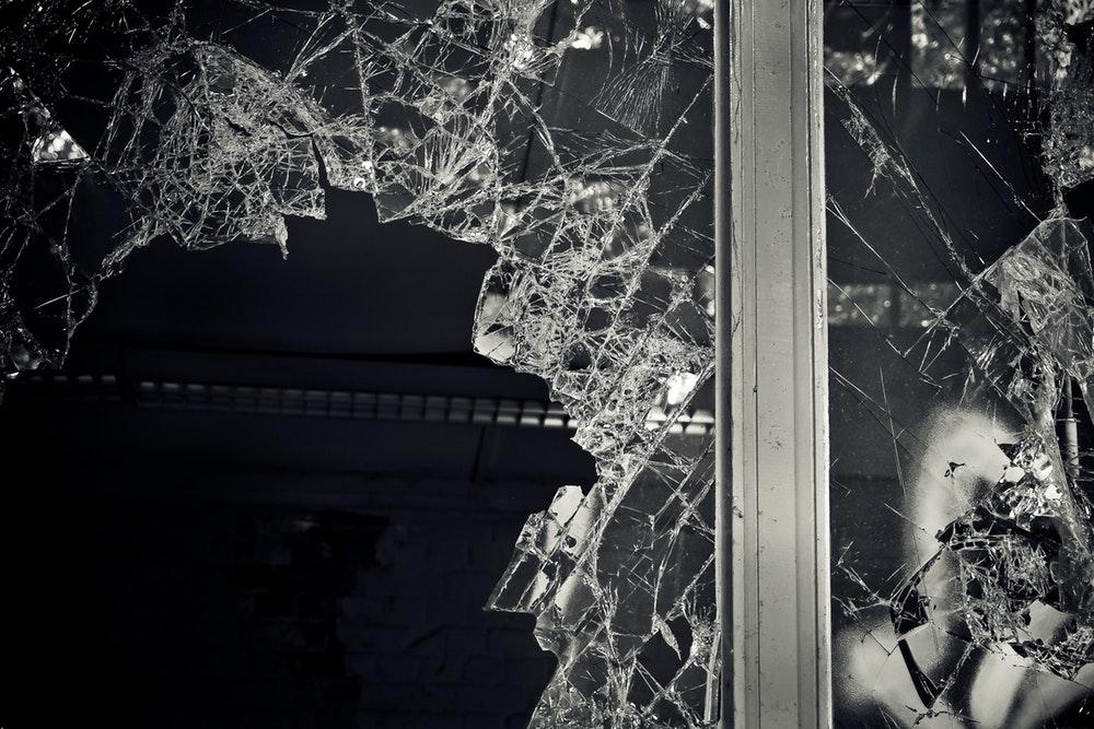 gebroken glas bal aansprakelijksheidsverzekering