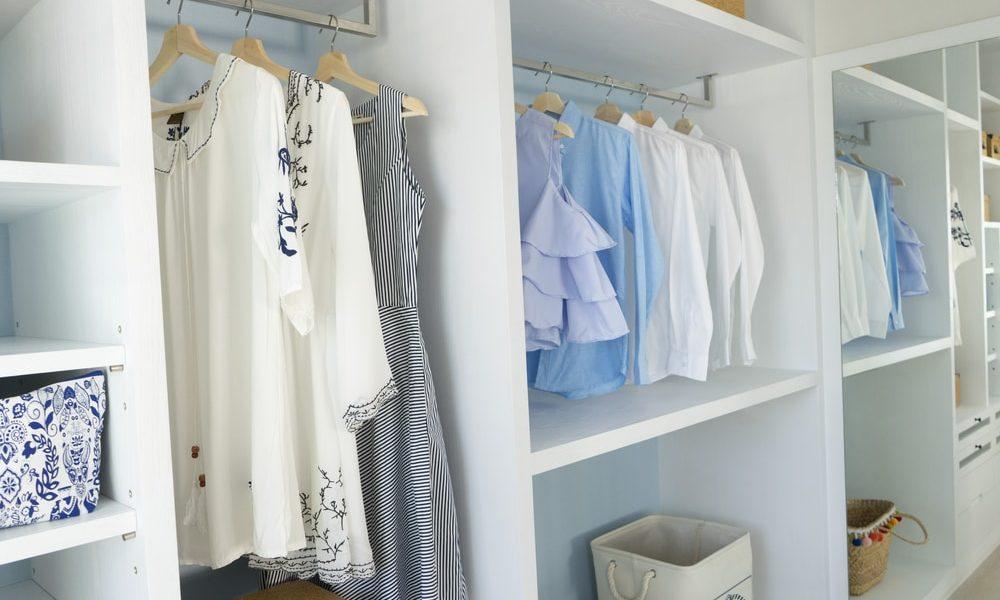 4 tips voor meer ruimte in de kledingkast